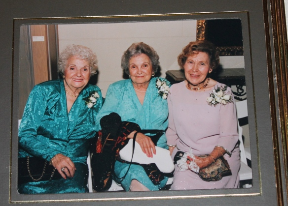 The queen bees. Aunt Marion, Vovo, & Aunt Mary